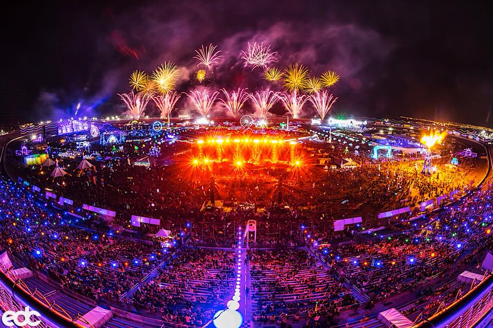 Photo of The Pros And Cons Of Going To EDM Festivals